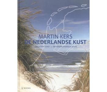 Boek de Nederlandse Kust van Martin Kers met een foto verslag
