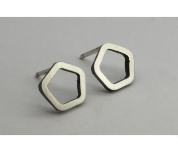 Vijfhoek design oorbellen van zilver van Yolanda Döpp sieraden