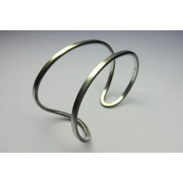 massief zilveren armbanden van Yolanda Döpp, edelsmid
