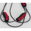 Detail van de ketting met rood vilt: leuk cadeau