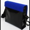 Remo tas in zwart dekzeil met klep in kobalt blauw vilt