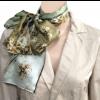 Limited edition zijde sjaals van Jheronimus Bosch in koele kleuren groen en beige