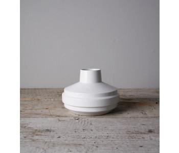 Homeware and vases, ceramic vases, Fenna Oosterhoff vase white
