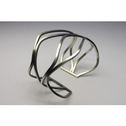 Bracelet with four wavy hoops in matt silver Yolanda Döpp