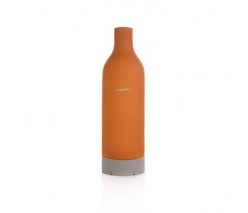 Terrakotta Wasserflasche kühlt innerhalb befindliches Wasser