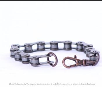 Chain Up armband van The Upcycle Amsterdam is er in de maten Small 19,5 cm Medium 20,5 cm Large 22 cm en XL 23 cm