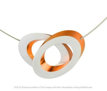 CLIC by Suzanne collier of ketting C70O oranje en zilver aluminium vind je bij shop.holland.com