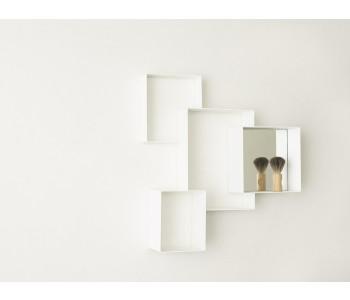 Wandkast Cloud Cabinet lijkt op een grote letterbak: handig in een babykamer en stoer in een kinderkamer