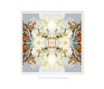 Halssjaaltje Never Enough van tencel 45x45 cm koop je bij shop.holland.com