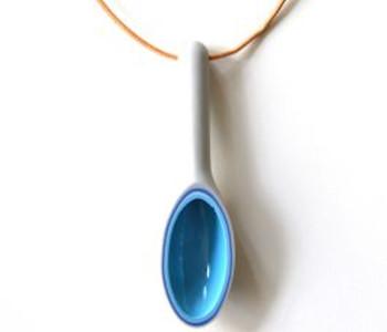 wOrk Spoon ketting met porselein lepeltje in grijs met lichtblauw