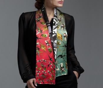 Shawl van zijde in rood, wit, groen en subtiel groen