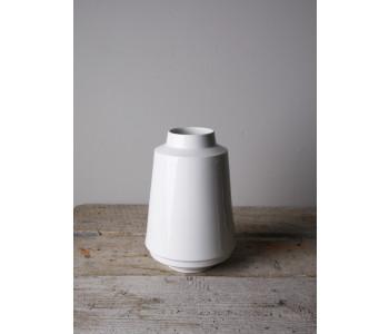 keramiek vaas Fenna Oosterhof van wit porselein