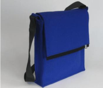 LH58 tas A4 formaat in kobaltblauw vilt: leuk cadeau