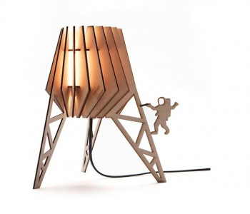 Staande lamp Maanlander alias Spacey van Tjalle & Jasper bij Holland Design & Gifts