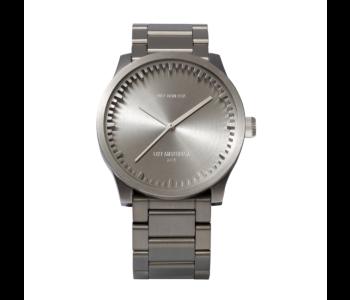 Cadeautip: Piet Hein Eek Tube S38 horloge in blank RVS in samenwerking met LEFF Amsterdam
