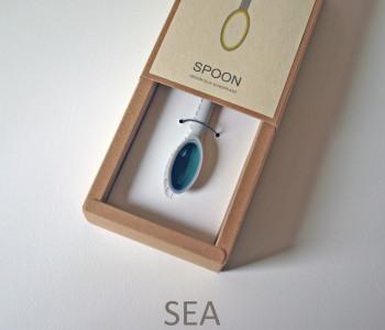 wOrk Spoon sieraad - hanger grijs met blauwgroen porselein sea