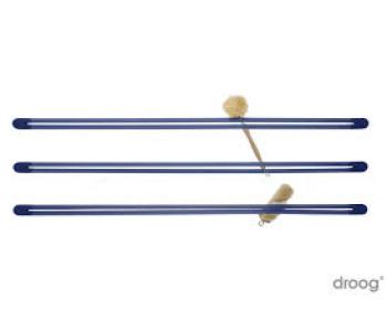 Blauwe Strap van Droog design als wandrek in de keuken, kinderkamer of op kantoor