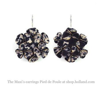 The Maxi's oorbellen Pied de Poule design bij shop.holland.com - leuke cadeautip