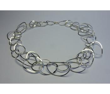 Zilveren zeepbel ketting, handgemaakt Dutch design door Döpp sieraden