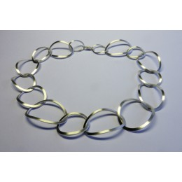Zilveren iovalen design ketting van Yolanda Döpp sieraden
