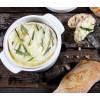 Boska Cheese Baker van wit porselein en zwart gietijzer voor een heerlijke maaltijd met gesmolten camembert