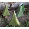 Groene kaars in de vorm van een kerstboom bij shop.holland.com
