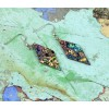Graffiti oorbellen ruit van Koema hebben allemaal een unieke kleur en patroon