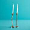 Set van 2 Long Legs Gold kaarsenstandaards in de kleur goud voor een sfeervolle Sinterklaas, kerst, jaarwisseling of als grappig cadeau
