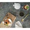 De amuse schelpen hebben een doorsnede van 7 cm en zijn ambachtelijk gegoten in Nederland uit zuiver tin. Prachtige tafelsieraden om allerlei lekkere vishapjes en andere amuses in te serveren.
