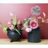 Tulpenvazen in het zwart van Heinen vind je bij shop.holland.com