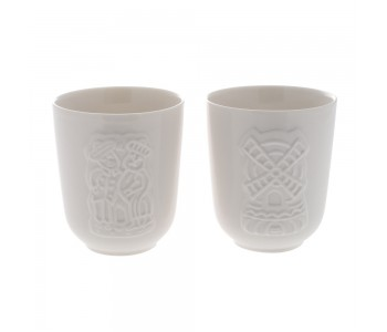 Cups with speculoos pattern.