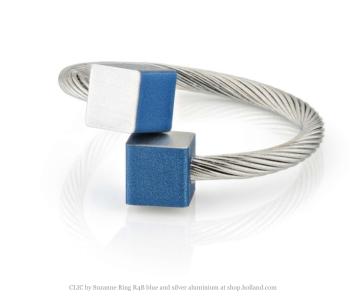 Clic by Suzanne ring R4B blauw en zilver aluminium koop je bij shop.holland.com