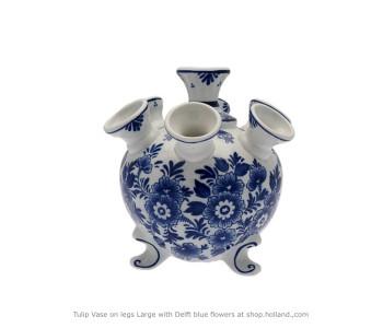 Vaas 21 cm Hoog Fiets nr.1 van Heinen Delfts blauw koop je bij shop.holland.com en geef je met plezier cadeau