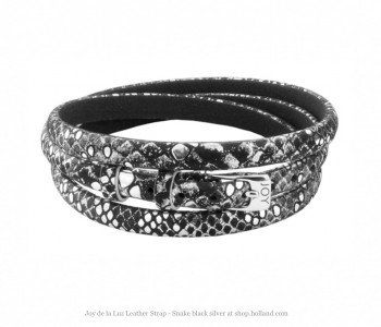 Joy de la Luz, leather strap, leatherware, black silver strap snake print