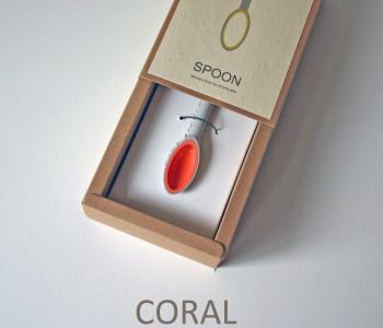 wOrk Spoon sieraad van porselein in de kleur Koraal rood bij shop.holland.com: bijzonder cadeau