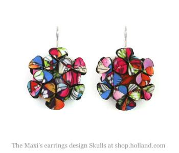 The Maxi's oorbellen in Skulls print op scuba suède - bijzonder cadeau