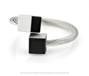 CLIC by Suzanne Ring R4Z zwart met aluminium zilver bij shop.holland.com