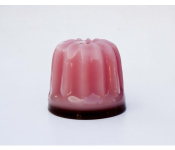 Design-Kerze Dessert von Atelier OZO in der Farbe Rosa