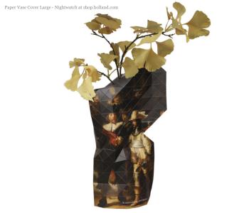 Paper Vase Cover Milchmädchen Vermeer von Pepe Heykoop und Tiny Miracles Foundation