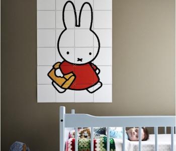 Miffy geht zur Schule mit IXXI an der Wand