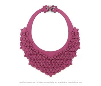 The classic ketting in fuchsia roze scuba stof bij shop.holland.com