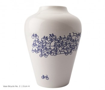 Delfts Blauw Vaas De Blauwe Fiets nr. 2 koop je bij shop.holland.com en doe je met plezier cadeau