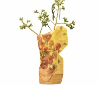 Paper Vase Cover Grachtengebäude von Pepe Heykoop und Tiny Miracles Foundation