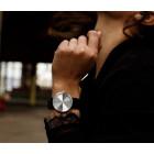LEFF Armbanduhr Tube D38 Stahl oder Messing mit Lederarmband