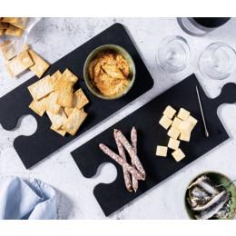 Brood of kaasplanken in de vorm van puzzelstukken