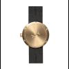 Rückseite von D38 Tube Messing Armbanduhr mit braunem Lederarmband von Piet Hein Eek für LEFF amsterdam