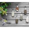 Hängen Sie Desserts für Vögel in einen Baum, an Ihr Balkongeländer oder an die Wand und genießen Sie die Natur um sich herum noch mehr.