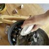 Mit dieser schicken Muschelschaufel aus Silberdose können Sie die Muscheln direkt aus der Muschelpfanne auf Ihren Teller schöpfen.