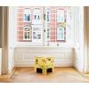 Der Hocker ist leicht zu transportieren und kann auch gut als Wohnzimmertisch, Beistelltisch, Nachttisch oder in einer Reihe nebeneinander aufgestellt als Sofa dienen.